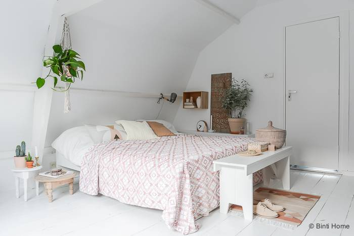 styling-and-photography-bedroom-interior-soft-pastels-by-©BintiHome-14