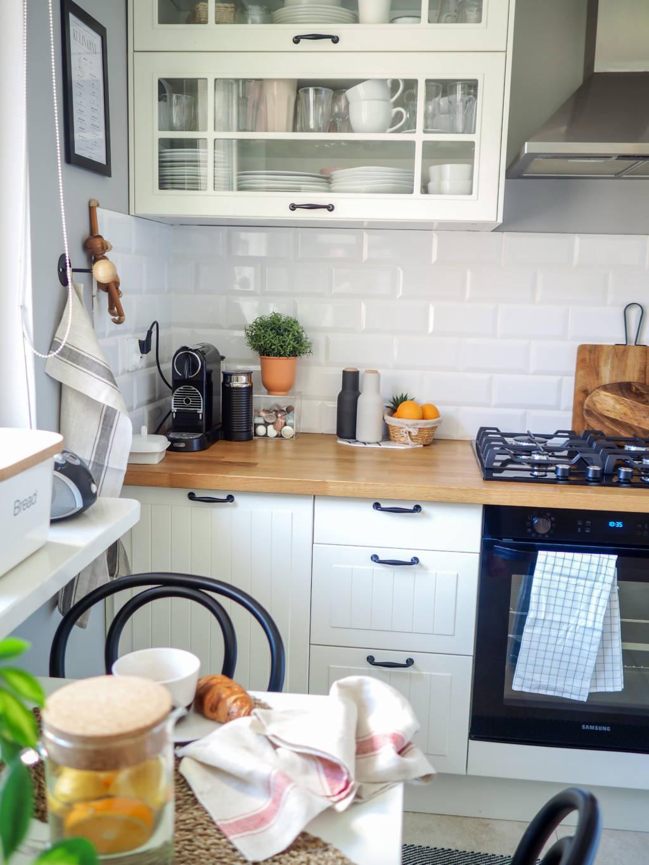 Kuchnia Biala Z Drewnem Ikea